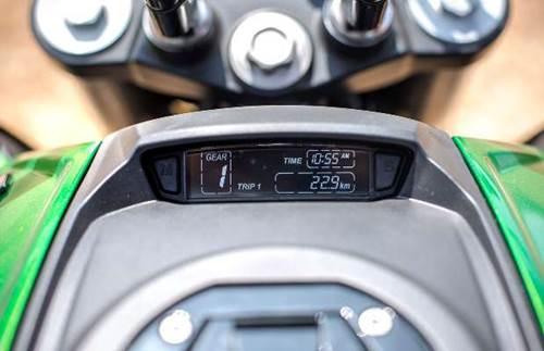 Мотоцикл Bajaj Dominar 400 2019 (12).jpg