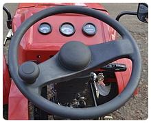Мини-трактор Rossel XT-184D (18 л.с., ВОМ, дифференциал) - фото Приборная панель и электростартер.jpg