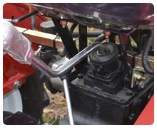 Мини-трактор Rossel XT-184D (18 л.с., ВОМ, дифференциал) - фото Широкий диапазон скоростей и увеличенный запас прочности КПП.jpg