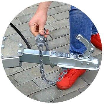 Прицеп для легкового автомобиля Уралец (8213 00) - фото сцепное устройство уральца