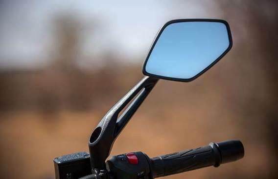 Мотоцикл Bajaj Dominar 400 2019 (2).jpg