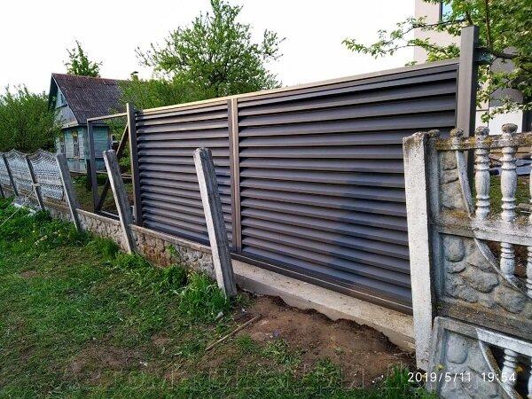 Откатные ворота с заполнением жалюзи.jpg