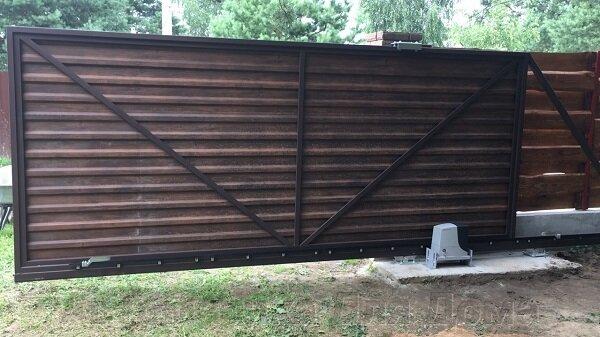 Откатные ворота с профнастилом