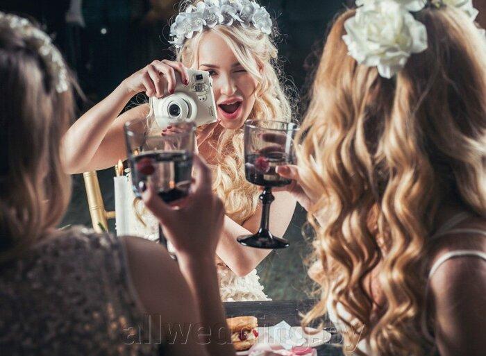 Красивые и яркие ободки и венки для невесты или ее подружек. - фото 8
