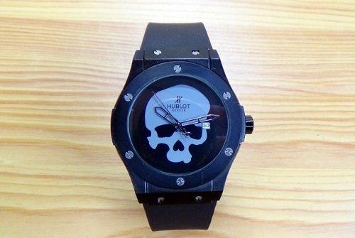 Часы Hublot Skull Bang кварцевые - фото pic_d28ec99e62a73df_1920x9000_1.jpg
