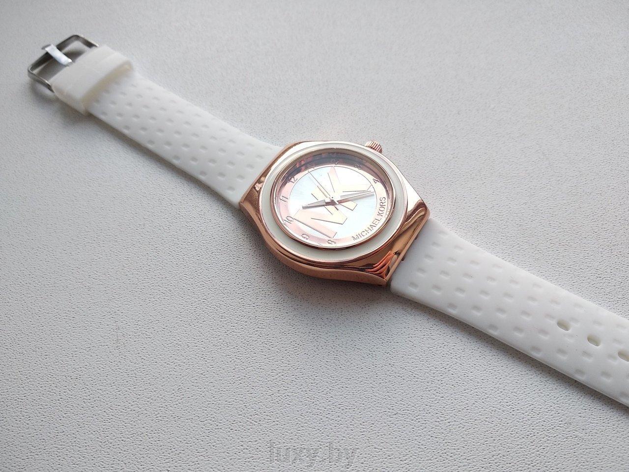 Часы наручные женские МK с белым ремешком Н-37 - фото pic_0417444b62c0128_1920x9000_1.jpg